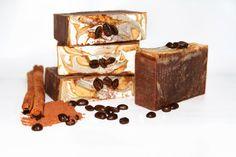 Savon biologique au chocolat et café par lafabrikabulles Organic Soap, Biologique, Palm Oil, Place Cards, Place Card Holders, Shower, Chocolate, Etsy, Coffee