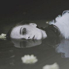 Paulina Siwiec – Magdalena Przybyła • Dark Beauty