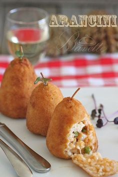 Arancini o Arancine son una especialidad muy tradicional de la cocina Siciliana