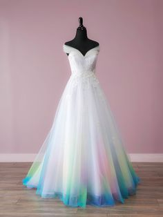 Bridal Gowns Colored by Taylor Ann Art - Gallery Pretty Prom Dresses, Ball Dresses, Nice Dresses, Ball Gowns, Evening Dresses, Ombre Prom Dresses, Pageant Dresses, Quinceanera Dresses, 15 Dresses