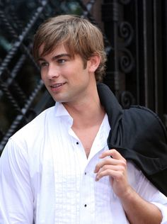 Nate (Chace Crawford) was the epitome of a well-groomed man.