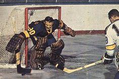 Terry Sawchuk - Kings Hockey Shot, Women's Hockey, Hockey Games, Hockey Players, Goalie Mask, Los Angeles Kings, Vancouver Canucks, Sports Pictures, Nhl