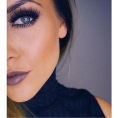 Makeup on fleek! Image via @steffyjakobs wearing @socialeyeslash