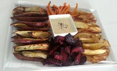 Root vegetable platter with garlic mayo - There is nothing like a mixture of roasted root vegetables to twist up the old roasted potato wedges a bit. This platter is great for entertaining guests. Roasted Root Vegetables, Veggies, Roasted Potato Wedges, Garlic Mayo, Mayonnaise, Platter, Dips, Potatoes, Entertaining