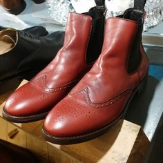 #rabbonicalzature #handmade #footwear #shoes #madeinitaly #beatle #boots #men #women #milan #italy #fashion #style #elegance #luxury  #scarpe #calzature #artigianali #personalizzate #sumisura #lusso #eleganza #uomo #donna #moda #stile #stivaletto #polacchino #milano #italia