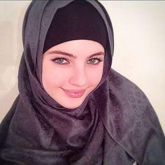 Image about black in Hijab by ♔ Rania Arabian Beauty ♔ Modern Hijab Fashion, Muslim Women Fashion, Islamic Fashion, Beautiful Hijab Girl, Beautiful Muslim Women, Beautiful Eyes, Arabian Beauty Women, Muslim Beauty, Arab Women