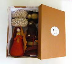 Muñecos de Vellón: Pesebres de Fieltro Lunch Box, Felted Wool Crafts, Diy Ornaments, Crates, Xmas, Birth