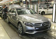 Třída C je aktuálně nejprodávanějším modelem značky Mercedes-Benz. Na trhu je pátá generace tohoto modelu.