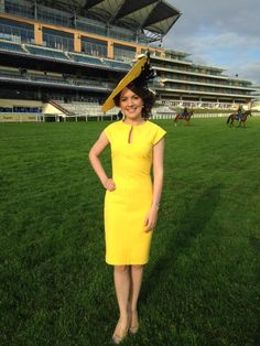 @GMB @Lauratobin1 in sunny yellow @zaraclothes dress and @ildaDiVicoHats ! #styledbydeb