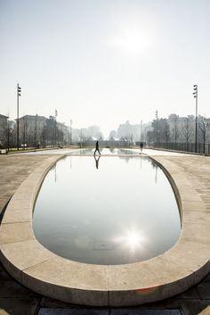 Citylife park. Milan. piazza giulio cesare ed ex lago africa