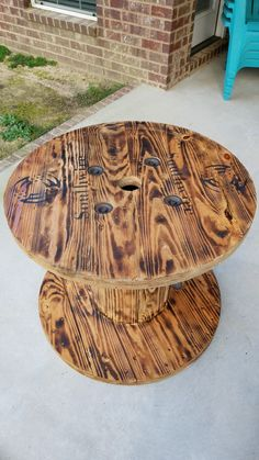 Wood Spool Furniture, Wood Spool Tables, Cable Spool Tables, Diy Outdoor Furniture, Cable Drum Table, Wooden Cable Reel, Wooden Cable Spools, Wire Spool, Wooden Spool Projects