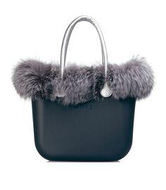 o bag milano corso italia 11 milano Fur Purse, Fur Bag, Look Fashion, Fashion Bags, Bago, My Bags, Purse Wallet, Handbag Accessories, Handbags