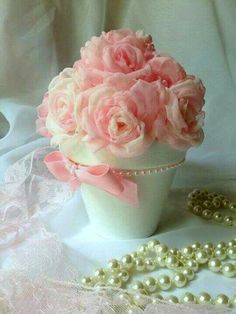Discover thousands of images about Inspiration Gallery for Pink Wedding Decor Wedding Flower Decorations, Wedding Flowers, Deco Rose, Deco Floral, Diy Centerpieces, Color Rosa, Flower Boxes, Bridal Gifts, Handmade Wedding