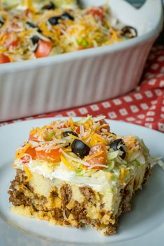Cheesy taco casserole [improvise tamale casserole topping I leau of biscuit mix] Easy Casserole Recipes, Casserole Dishes, Tamale Casserole, Cheesy Taco Casserole Recipe, Easy Recipes, Casserole Ideas, Mexican Casserole, Copycat Recipes, Delicious Recipes
