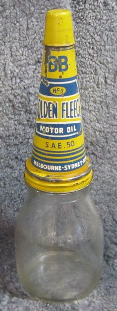 Old Golden Fleece service station motor oil bottle