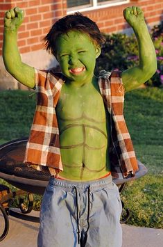 The Hulk Costume - I'm TOTALLY going to do this with my son!   :)