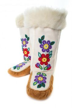 Betty Takazo Jr. | NWT Arts Indian Beadwork, Native Beadwork, Native American Beadwork, Beaded Flowers Patterns, Beading Patterns, Native American Moccasins, Native Wears, Beaded Moccasins, Native Design