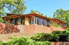 Hanna House: A Frank Lloyd Wright House You Can Tour: More About the Hanna House - and More of California's Wright Sites