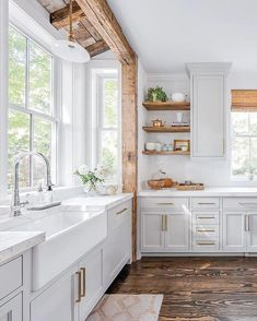 Kitchen decor, kitchen cabinets, kitchen organization, kitchen organizations and of course. The kitchen is the center of the home, so it's important to have a space you love! These pins are my favorite kitchens and kitchen ideas. Modern Farmhouse Kitchens, Rustic Kitchen, Home Kitchens, Brass Kitchen, Farmhouse Chic, Kitchen Modern, Gold Kitchen Hardware, Farmhouse Sinks, Kitchen Sink Window