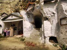 Скельний монастир в Бакоті.