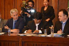 Evo Morales firma ley para impulsar la reducción de pobreza y crecimiento hasta el 2020 | Radio Panamericana