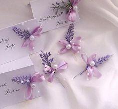 jmenovka - dárek pro hosty 4, Corsage Wedding, Wedding Bouquets, Wedding Flowers, Purple Wedding, Wedding Colors, Bridal Glasses, Family Flowers, Burlap Crafts, Wedding Favours