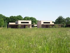 Waugh Thistleton has added a pair of new prayer halls to a Jewish cemetery in Hertfordshire, which features rammed-earth walls. Stirling, Amazing Architecture, Modern Architecture, Rammed Earth Wall, Cool Landscapes, Best Location, Cemetery, Exterior, Mansions