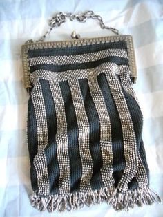 Flapper style beaded knit purse
