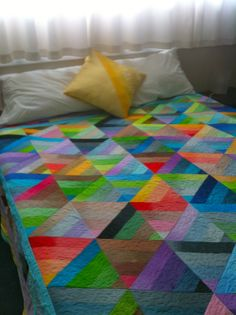 this quilt allows me to choose any accent colour December 2013, Accent Colors, Sewing Projects, Quilting, Colour, Blanket, Color, Colour Shades, Patchwork