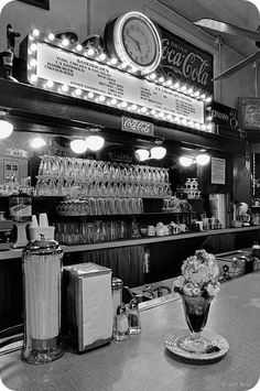 diner and a delicious looking Sundae with a cherry on top-SO RETRO Black And White Picture Wall, Black N White, Black And White Pictures, Gray Aesthetic, Black And White Aesthetic, Aesthetic Vintage, 1950s Aesthetic, Aesthetic Bedroom, Aesthetic Collage