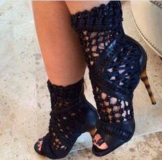 12 Stunning High Heels and Wedges To Wear This Summer - Lovely Shoe For This Summer Outfit. The Best of high heels in Hot Shoes, Crazy Shoes, Me Too Shoes, Shoes Heels, Pumps, Stilettos, Heeled Boots, Bootie Boots, Shoe Boots