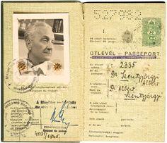Szent-Györgyi Albert (1893–1986) Nobel-díjas és Kossuth-díjas magyar orvos, biokémikus útlevele, melyet 1945 és 1947 között használt.   axioart.com