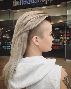 "Instagram의 Hannah Angéle님: ""Last minute birthday hair by @its.lisanicole!! Thank you so much #blondehair#halifax#halifaxshoppingcentreheadshoppe"" • Instagram"