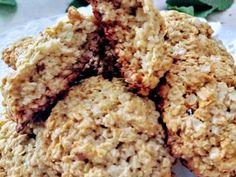 Fabulosa receta para Galletas de avenay miel sin harina. Unas ricas, nutritivas galletitas de avena y miel ideales para el desayuno o la merienda , o también para usárla como colación en las dietas. My Recipes, Cookie Recipes, Dessert Recipes, Favorite Recipes, Recipies, Healthy Cookies, Healthy Sweets, Healthy Toddler Snacks, No Flour Cookies