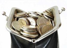 30 de superstiții bizare ca să ai mereu noroc la bani ⋆ Picture Sizes, Leather Purses, Metal, Coins, Coin Purse, Accessories, Feng Shui, Money, Cash Money