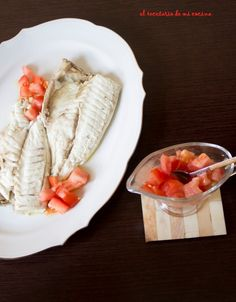 Dorada a la sal con tomate Andalusia, Camembert Cheese, Dairy, Ethnic Recipes, Spain, Food, El Dorado, Seafood, Cooking
