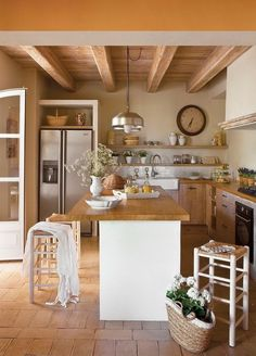 New Kitchen Colors Warm Floors 46 Ideas Rustic Kitchen, Country Kitchen, New Kitchen, Kitchen Interior, Kitchen Decor, Summer Kitchen, Kitchen Ideas, Apartment Kitchen, Kitchen Themes