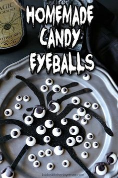 EYE don't know about you, but making and using these homemade candy eyeballs will bring your Halloween treats to life! SEE what I did there? *insert evil laughter here* #halloweenrecipe #halloweentreat #spookyhalloweenrecipe #candy #candyeyeballs #royalicing #cookiedecoriting #cakedecorating #halloweendecorations #ediblehalloweendecorations #funfood #funwithfood #foodart #kudoskitchenbrecipes