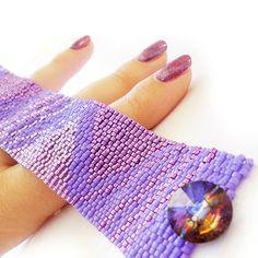 Purple Triangles Bracelet   Glass Beads by dicopebisuteria on Etsy
