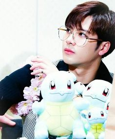 Jackson // take those glasses off, young man, or you will become my OFFICIAL bias wrecker Got7 Jackson, Mark Jackson, Jackson Wang, Youngjae, Kim Yugyeom, Jinyoung, Girls Girls Girls, Jaebum, K Pop