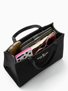 Shop the black watson lane sam at Kate Spade New York official UK website. Gucci Handbags, Designer Handbags, Trendy Handbags, What's In My Purse, Purse Essentials, Classic Handbags, What In My Bag, Grad Gifts, Black Nylons