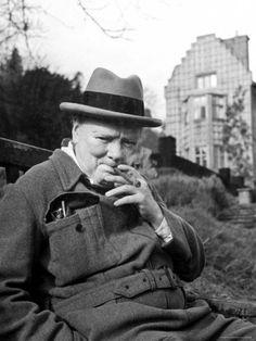 #Churchill #Cigar
