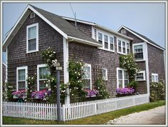 Lovely Cottage w/Fence on Nantucket