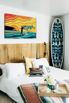 Beach Style Bedroom Ideas - Make your bedroom a relaxing trip with a beach themed bedroom. Check Out 35 Cool Beach Style Bedroom Design Ideas. Surf Decor, Decoration Surf, Surf Style Decor, Bohemian Bedrooms, Bohemian Bathroom, Bathroom Vintage, Surfer Bedroom, Surfer Girl Bedrooms, Surf Theme Bedrooms