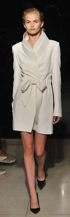 Brandon Maxwell Spring 2016 #highfashion #inspiration #moderndesign luxury design, luxury, fashion. Visit www.memoir.pt