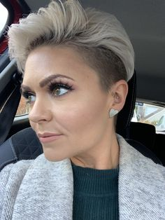 Short Shaved Hairstyles, Pixie Hairstyles, Pixie Haircut, Short Hair Dont Care, Short Hair Cuts, Short Hair Styles, Blonde Dye, Blonde Bobs, Hair Studio