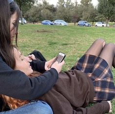 Cute Lesbian Couples, Cute Couples Goals, Couple Goals, Cute Relationships, Relationship Goals, Relationship Pictures, Want A Girlfriend, Teen Romance, Couple Aesthetic