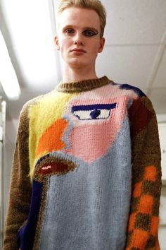 Insane and bold eyeliner looking very good (Walter Van Beirendonck Graphic Knit Jumper Eyeliner) Grunge Look, Grunge Style, 90s Grunge, Soft Grunge, Knitwear Fashion, Knit Fashion, French Fashion, Tokyo Street Fashion, Walter Van Beirendonck