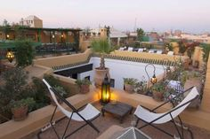 Riad Karmela Marrakech This riad is located in the heart of the Medina, close to the Souks and an 8-minute walk from the Jamaâ El Fna Square. It offers a hammam, a sauna and massage treatments.