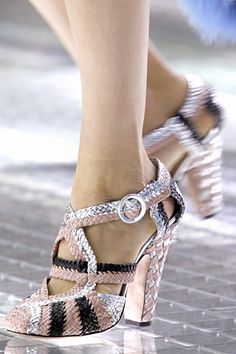 I adore these woven mary janes. Adore. Just the right heel for walking in. Photo from style.com.